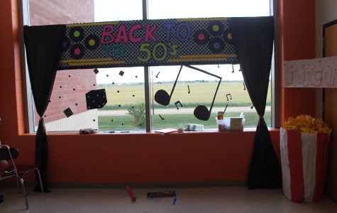 Photo Gallery: Sophomores prepare for Homecoming week