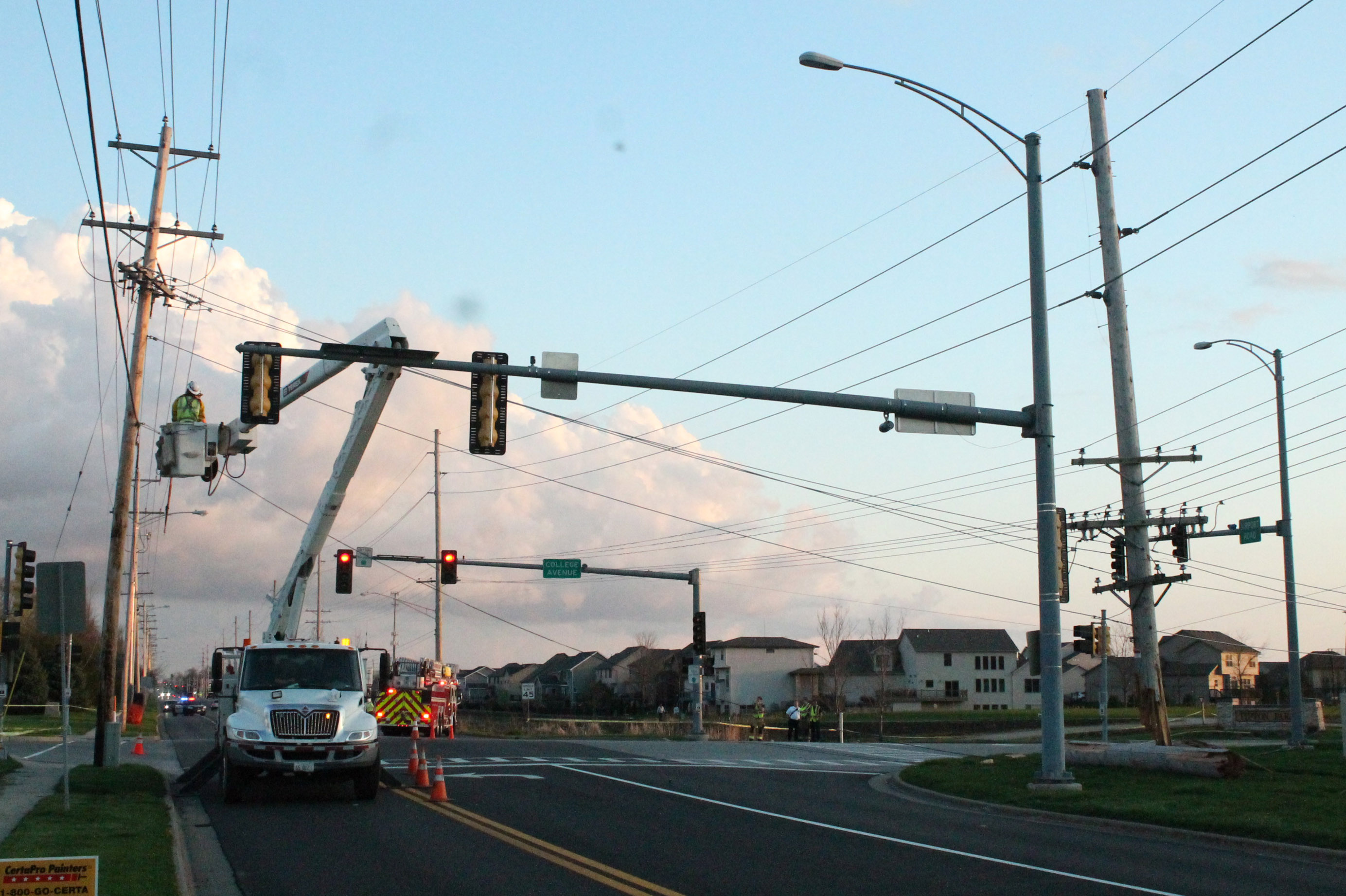 Due+to+the+damage+done+to+the+utility+pole%2C+the+intersection+was+closed+on+Monday+morning.
