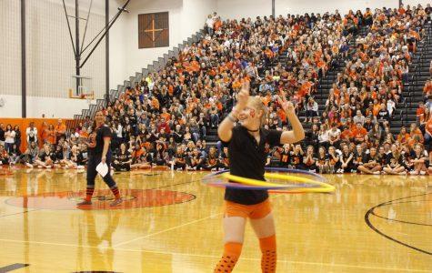 Seniors win Hula Hoop contest in class battle