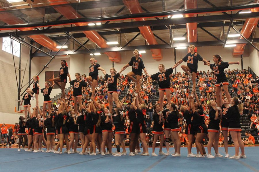 Photo+Gallery%3A+Cheer+team+performs+at+Homecoming+assembly