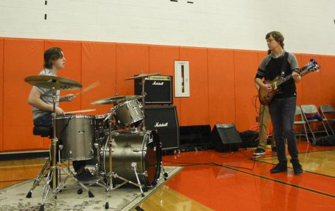 Battle of the Bands winner peforms at Homecoming assembly