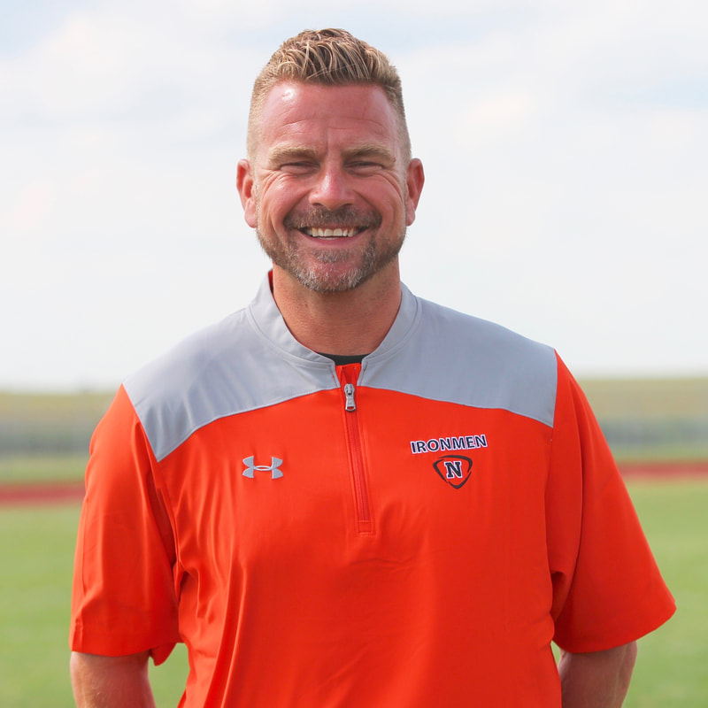 Former Varsity Offensive Coordinator and quarterbacks position coach was named as replacement to Mr. Wes Temples.
