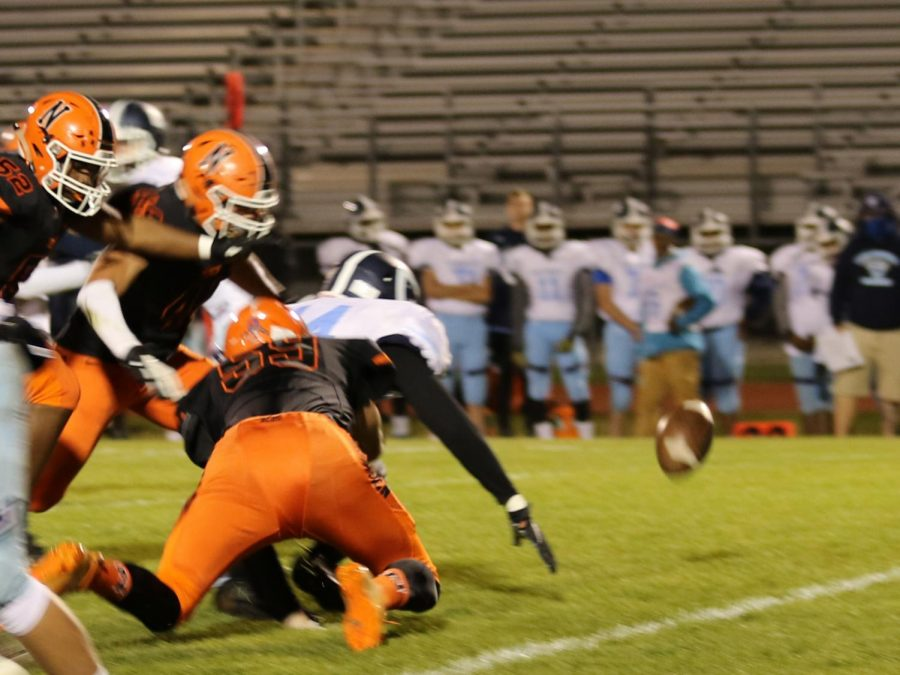 Senior DE Jaxon Creasey forced a fumble recovered by ILB Levi Smaling.